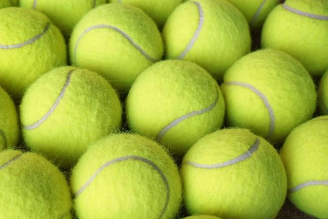 テニス プレッシャーボールとノンプレッシャーボール